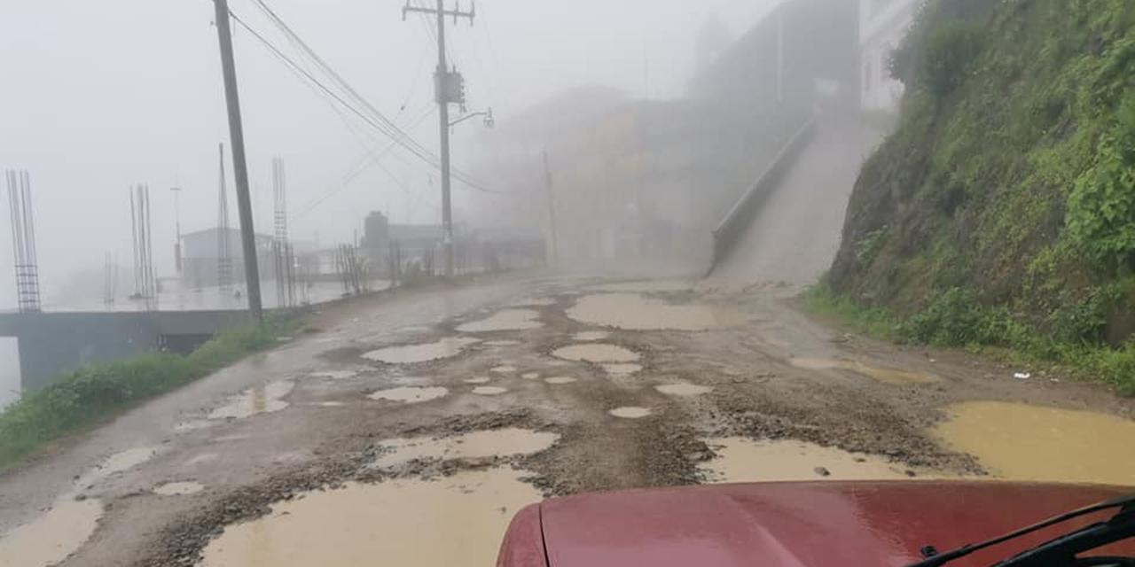 Vía Ayutla-Cotzocón suma dos sexenios de abandono | El Imparcial de Oaxaca