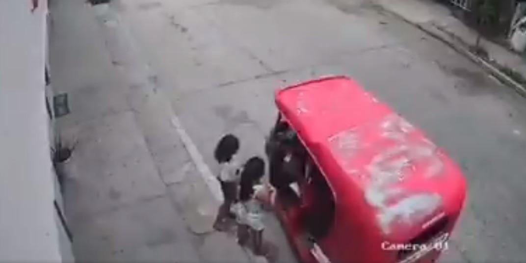 Detienen a mototaxista que tocaba a menores en Tabasco | El Imparcial de Oaxaca