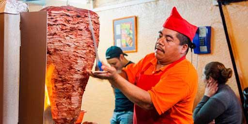 Nadie quiere ser taquero en San Diego, la paga son mil dólares semanales | El Imparcial de Oaxaca