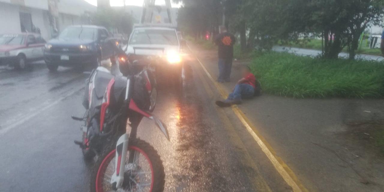 Derrapan en motocicleta sobre Símbolos Patrios | El Imparcial de Oaxaca