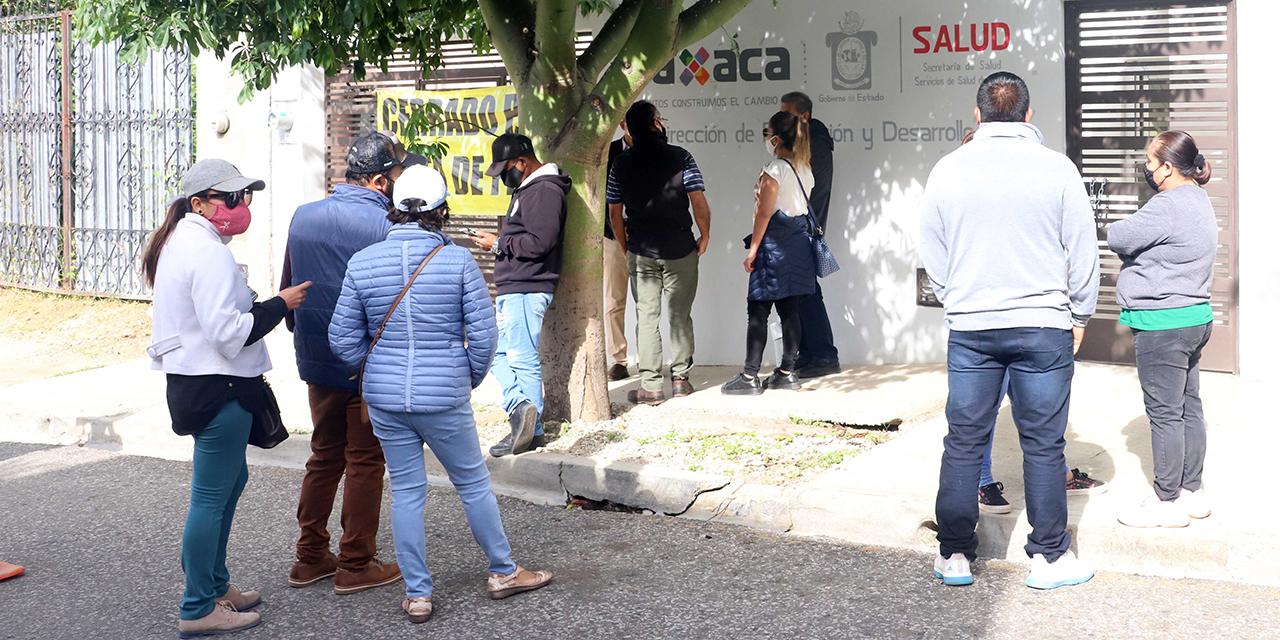 Protestan por adeudo en rentas de inmuebles ocupados por los SSO | El Imparcial de Oaxaca