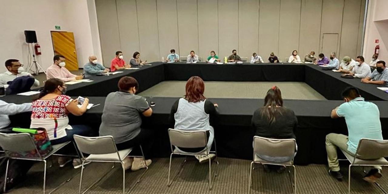 ENSFO contrata asesores por su cuenta y pide 26 mdp   El Imparcial de Oaxaca
