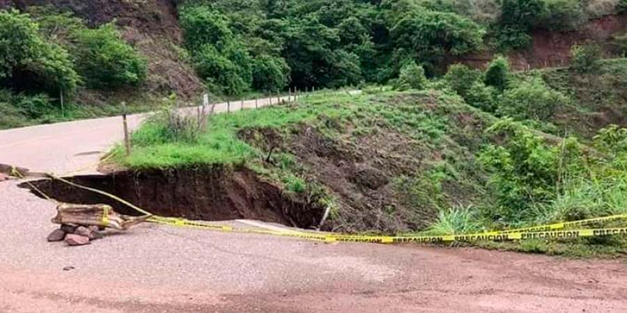 Carretera 131, martirio para los automovilistas | El Imparcial de Oaxaca
