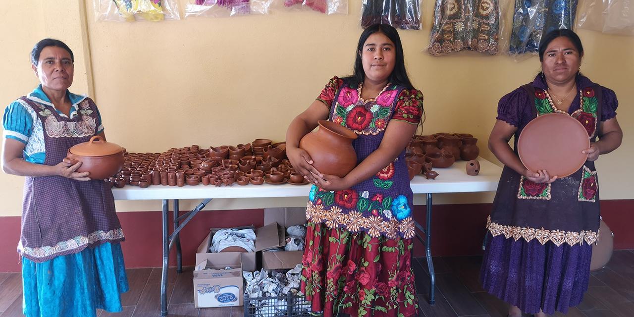 San Marcos Tlapazola, barro rojo con aroma de mujer   El Imparcial de Oaxaca