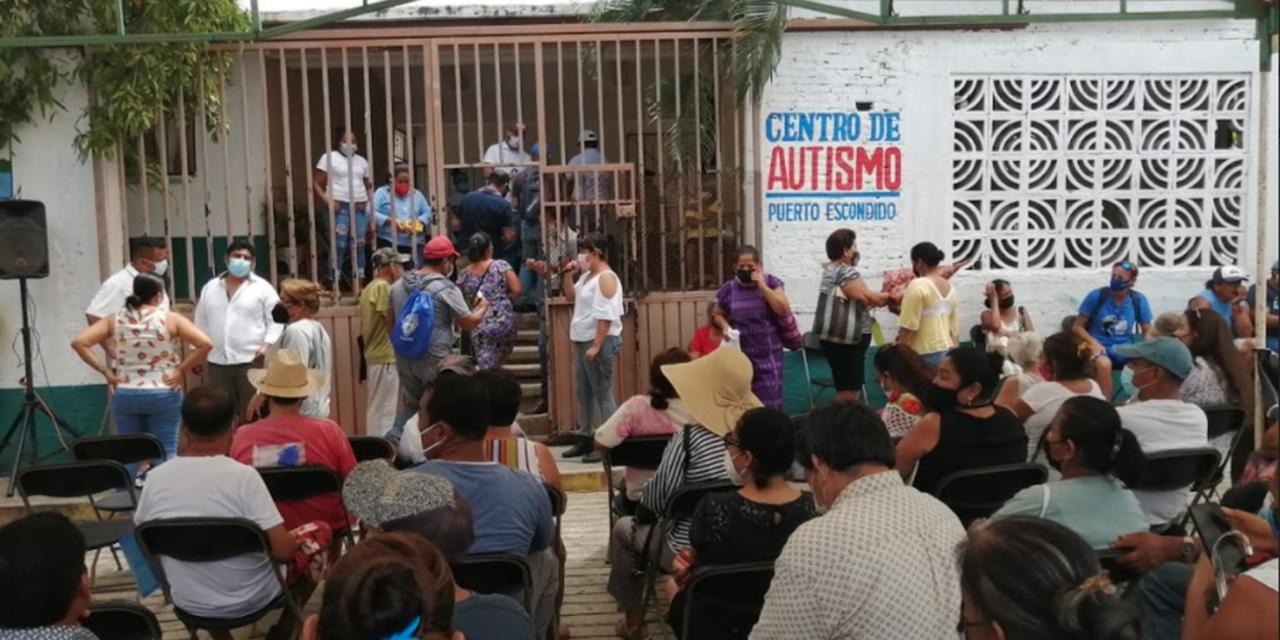 Inician vacunación en contra Covid-19 en Puerto Escondido para personas de 40 a 49 | El Imparcial de Oaxaca