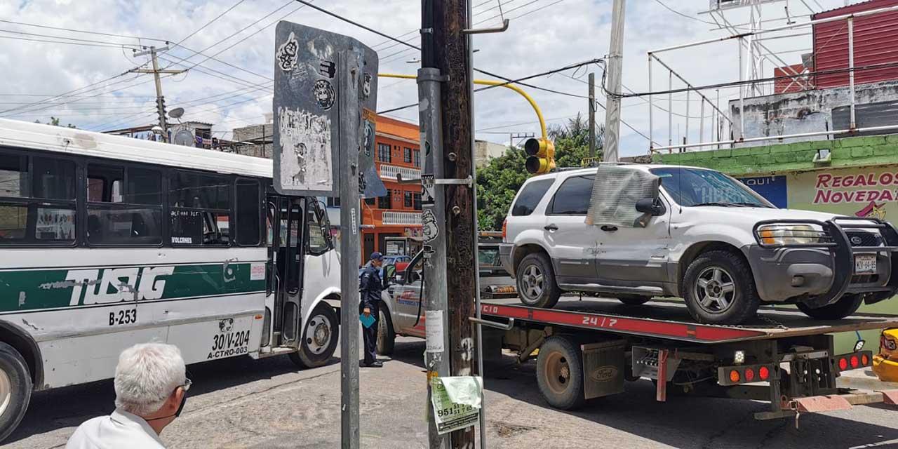 La choca camionero y aseguradora se niega a pagar los daños | El Imparcial de Oaxaca