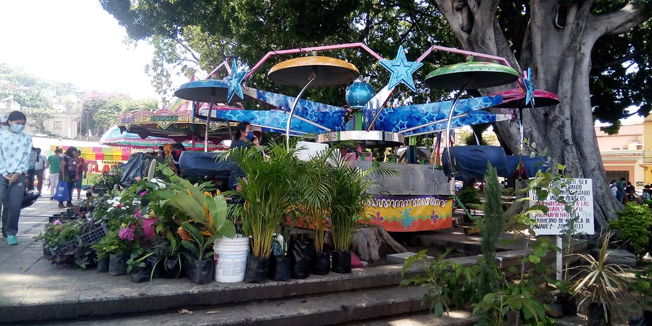Instalan feria en el Jardín Morelos sin permiso del Ayuntamiento   El Imparcial de Oaxaca