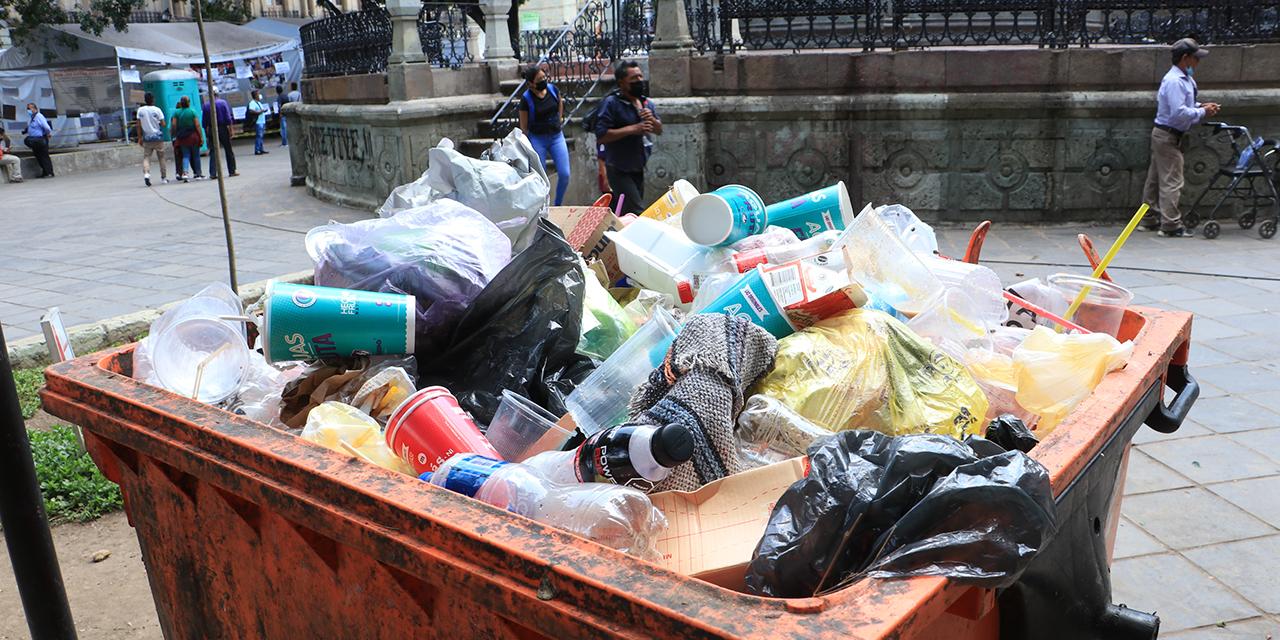 Suspenden recolección de basura; autoridades deben la renta   El Imparcial de Oaxaca