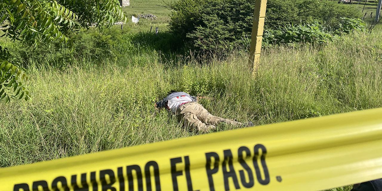 Aparece muerto a orilla de la carretera   El Imparcial de Oaxaca