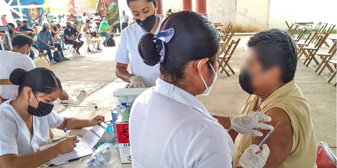Poca afluencia durante la  vacunación en Tehuantepec | El Imparcial de Oaxaca