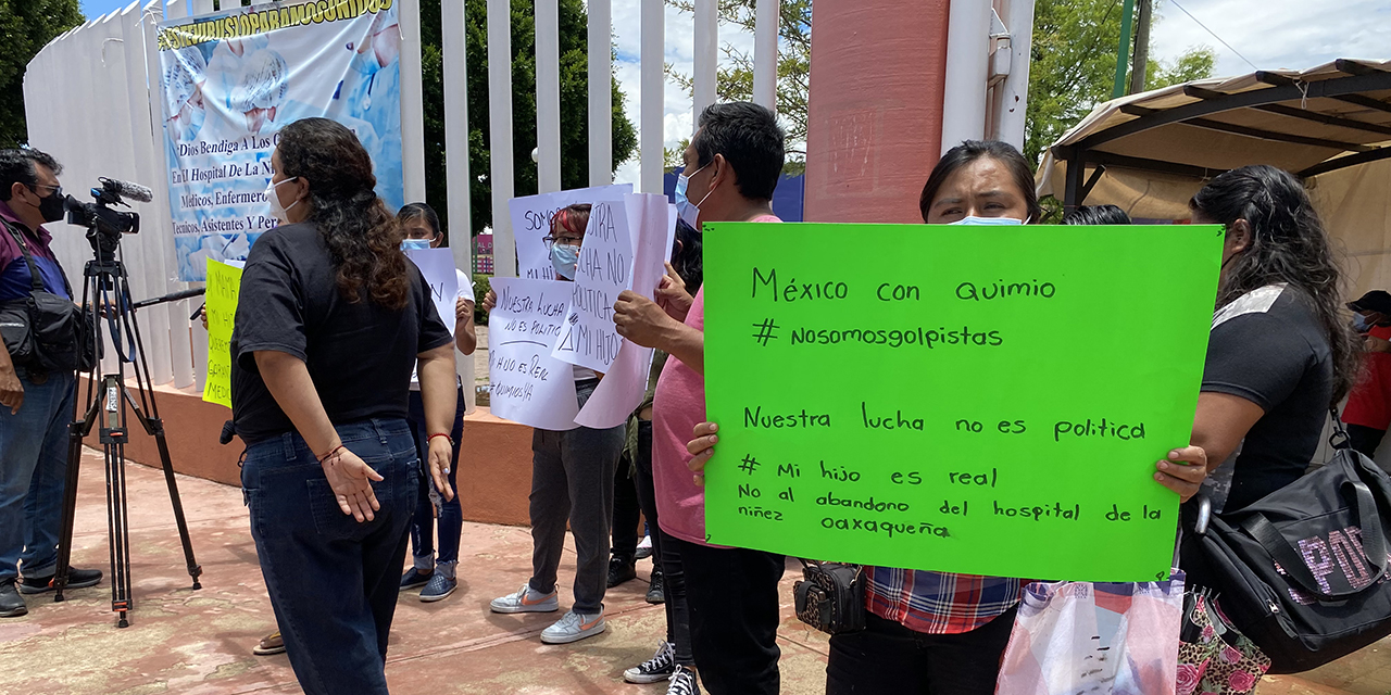Se suman padres del HNO a protesta contra Gatell | El Imparcial de Oaxaca