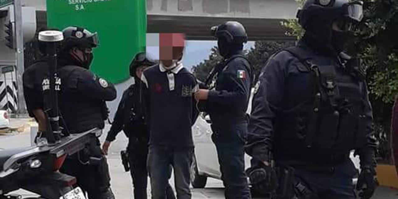 Policía municipal los detiene por presunto robo   El Imparcial de Oaxaca
