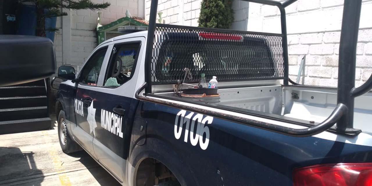 Atacan a policías por querer instalar feria   El Imparcial de Oaxaca