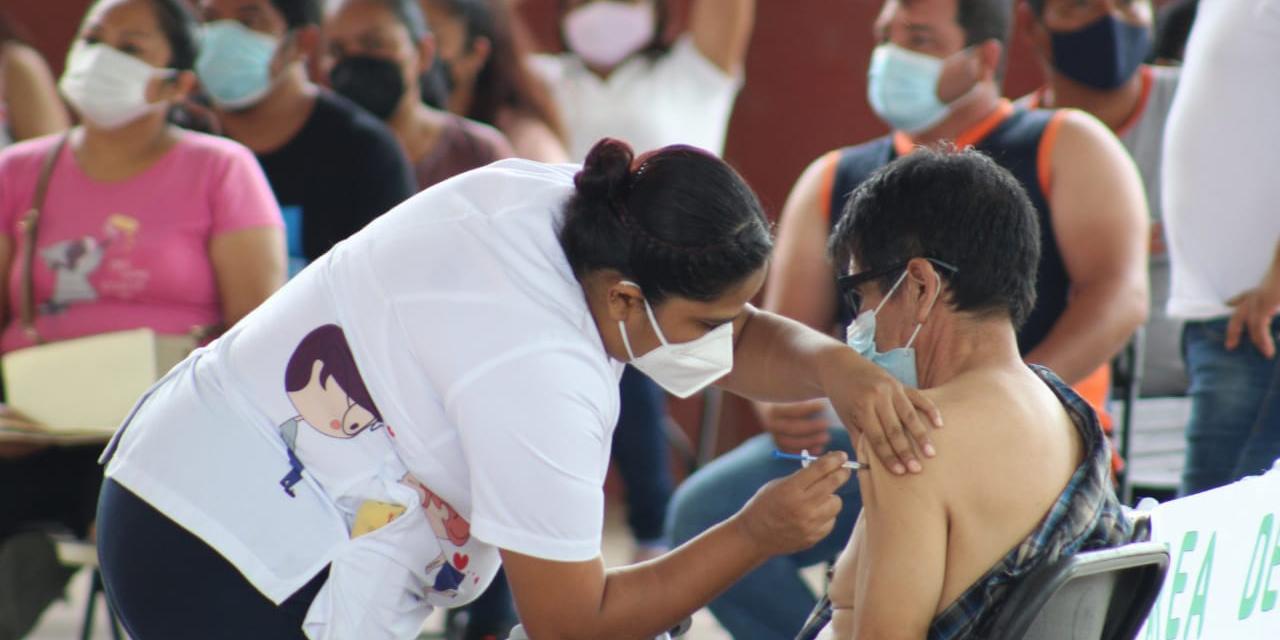 Se inicia vacunación a personas de 30 a 39 años en Cuicatlán | El Imparcial de Oaxaca