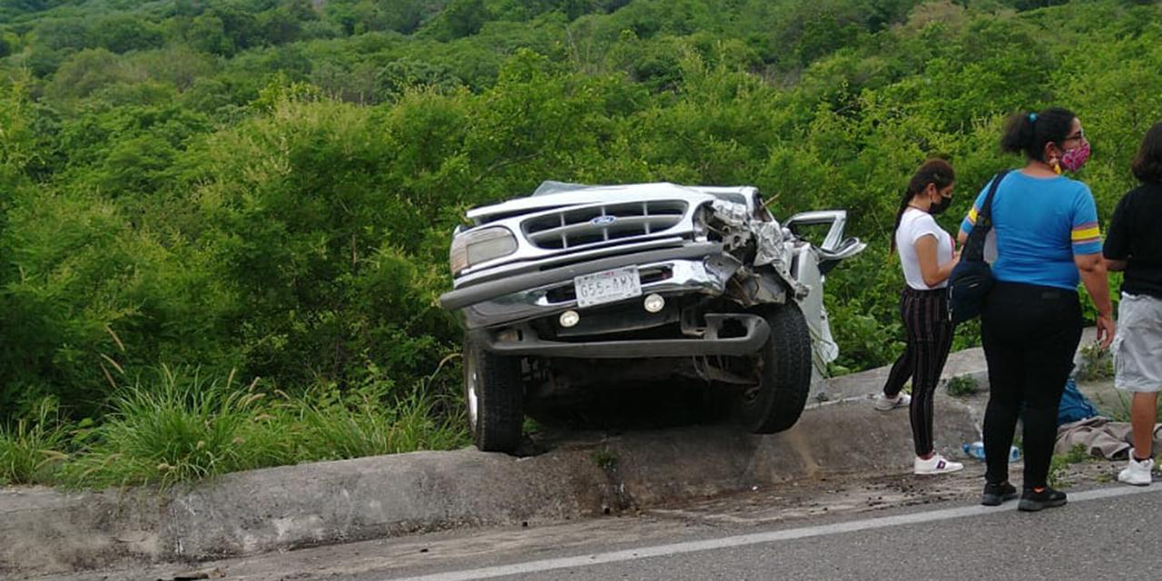 Fuerte choque deja cuantiosos daños en carretera Oaxaca-Istmo deja cuantiosos daños | El Imparcial de Oaxaca