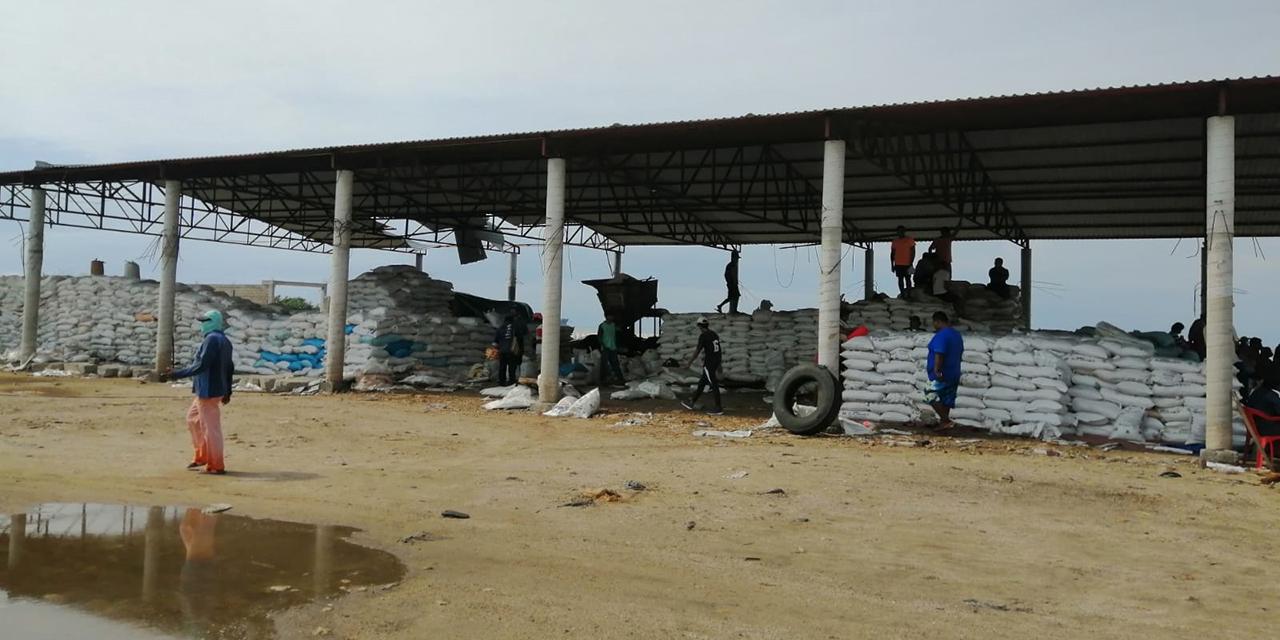 Concluyen salineros bloqueo en rompeolas | El Imparcial de Oaxaca