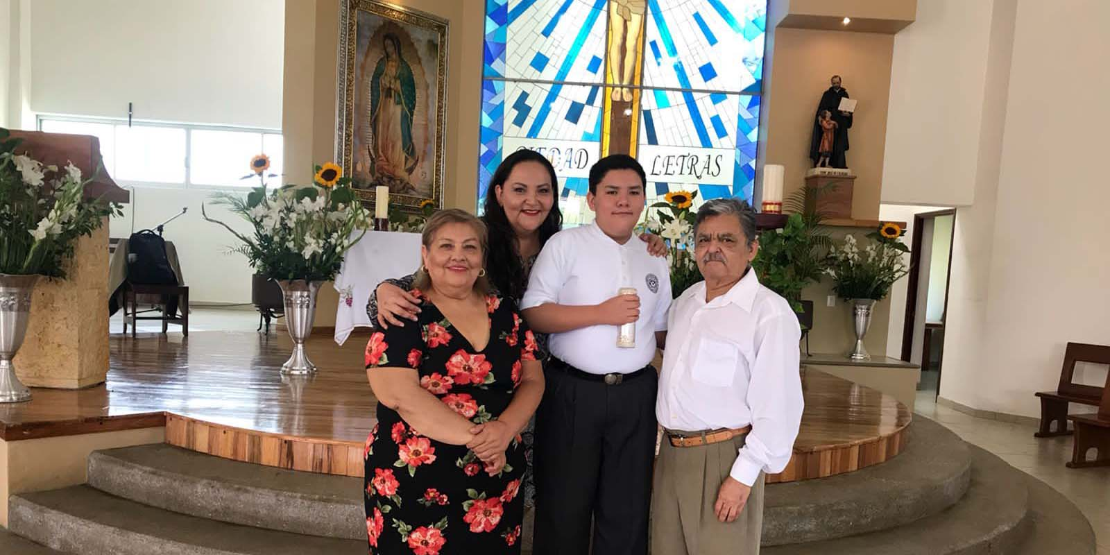 Recibe Leonardo su  primera comunión | El Imparcial de Oaxaca
