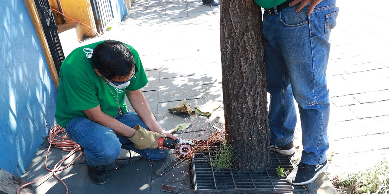 Las banquetas de la capital oaxaqueña son trampas para transeúntes   El Imparcial de Oaxaca