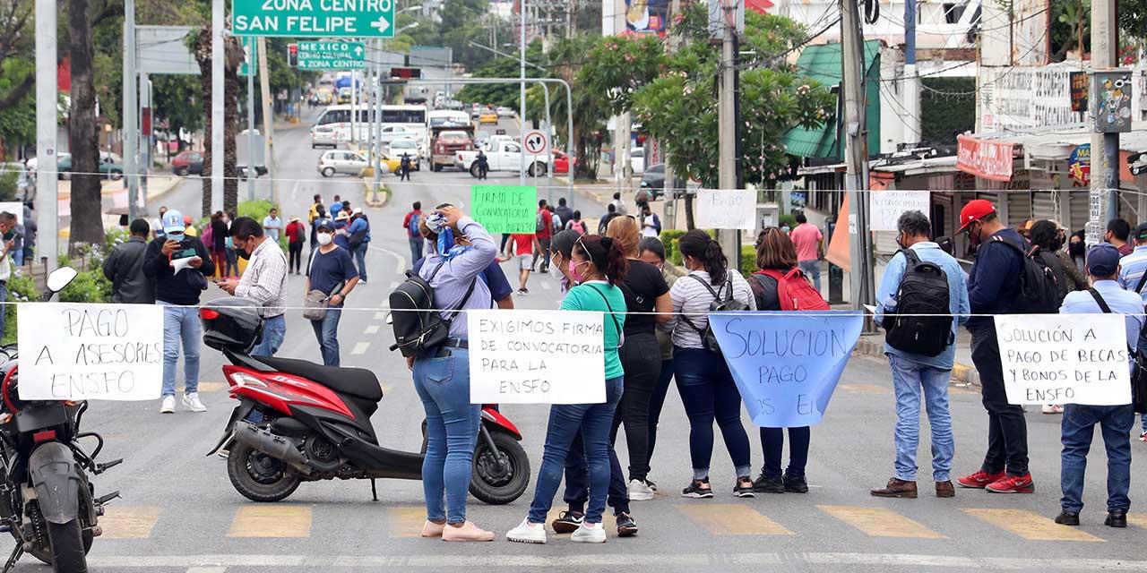 """ENSFO reclama 26 mdp para sus """"asesores"""" y desata caos   El Imparcial de Oaxaca"""