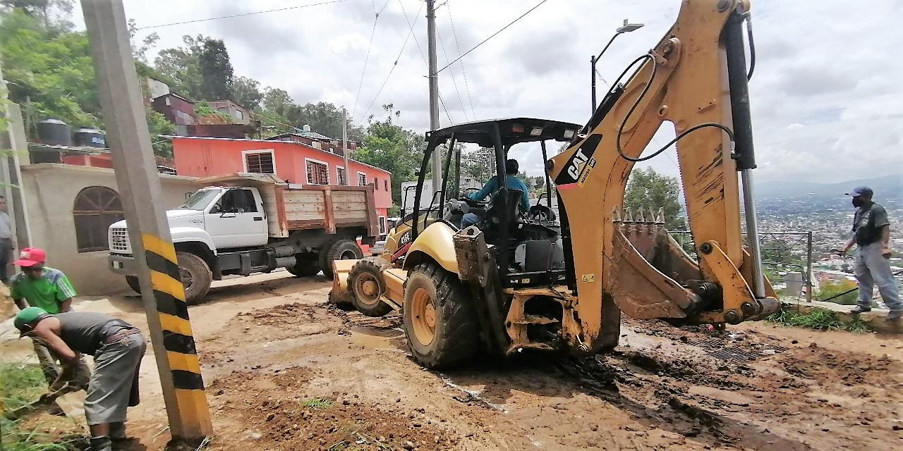 Apoya Sinfra a San Juan Chapultepec con la limpieza de las principales vialidades | El Imparcial de Oaxaca