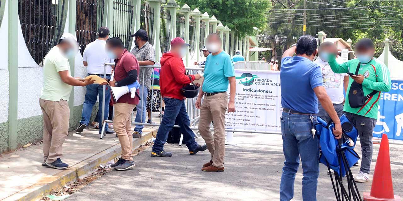 Registran menor afluencia en módulos para segundas dosis | El Imparcial de Oaxaca