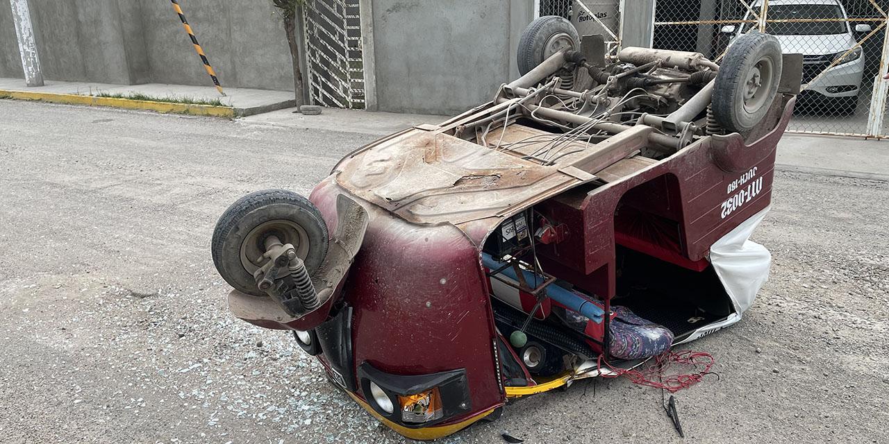 Aparatosa volcadura de mototaxi en Juchitán   El Imparcial de Oaxaca