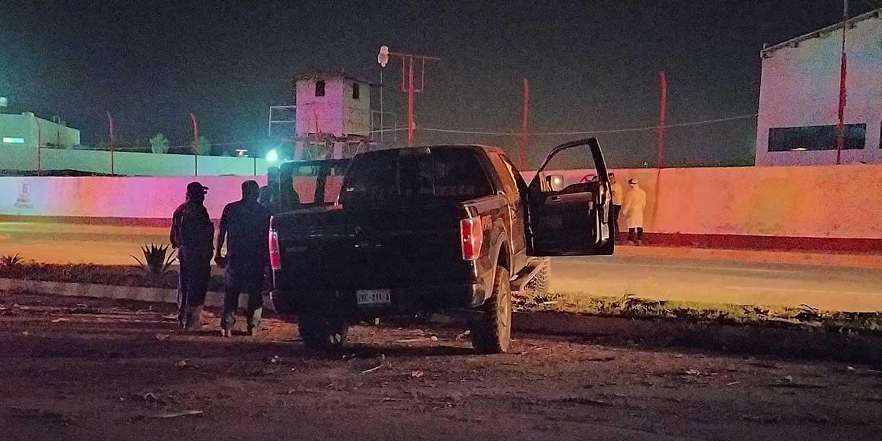 Aparatoso choque deja cuantiosos destrozos en Salina Cruz   El Imparcial de Oaxaca
