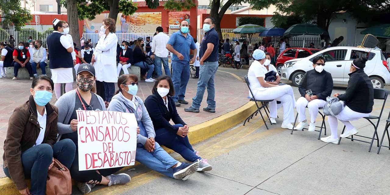 Radicalizan protestas en Salud por desabasto en Oaxaca | El Imparcial de Oaxaca