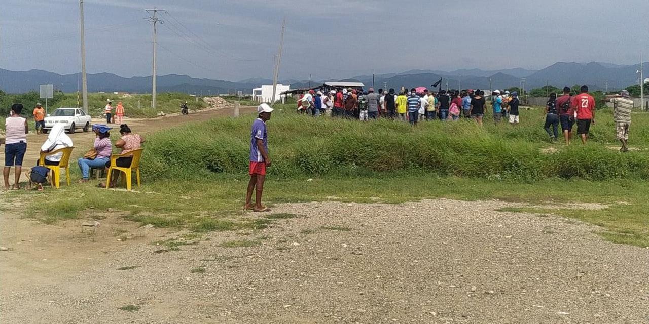 Salineros amagan con bloquear otra vez la obra del rompeolas | El Imparcial de Oaxaca