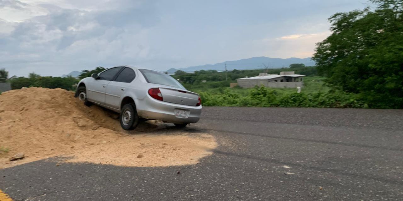 Montículos de tierra sobre carreteras del Istmo, un peligro constante | El Imparcial de Oaxaca