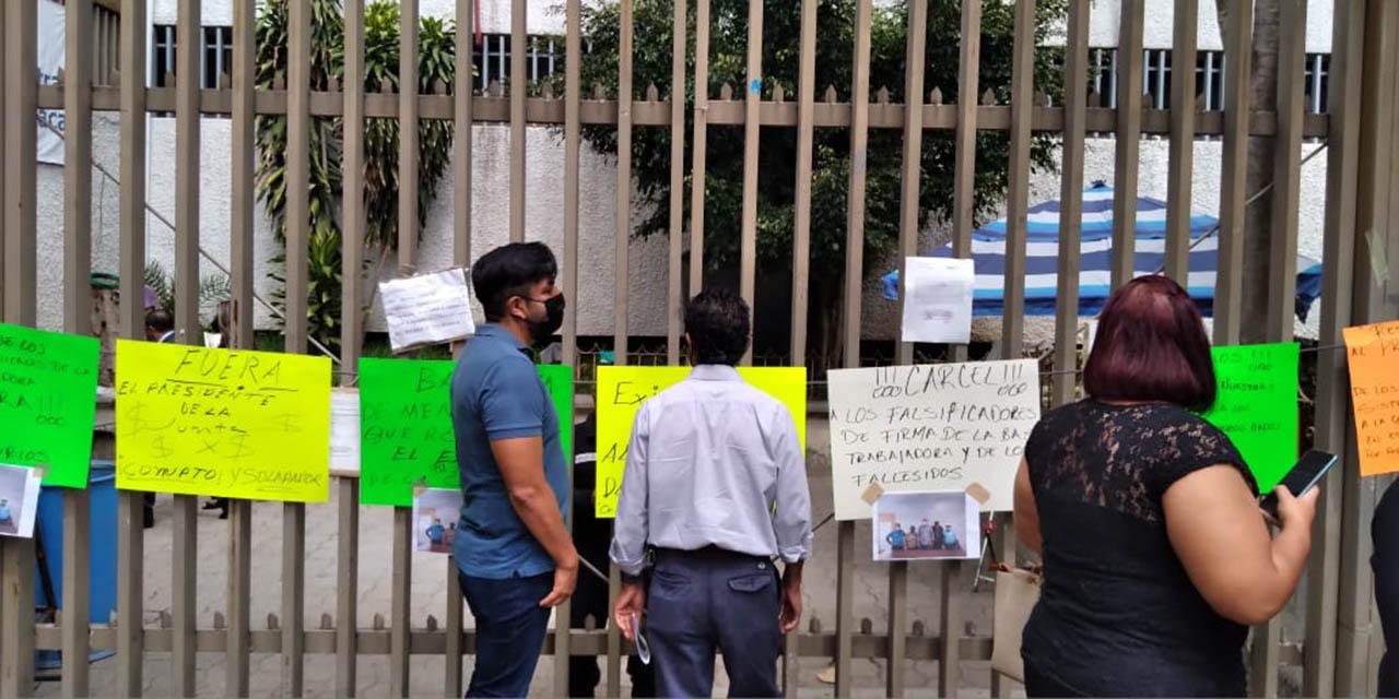 Denuncia trabajadores de la Comisión Estatal del Agua robo de documentos | El Imparcial de Oaxaca