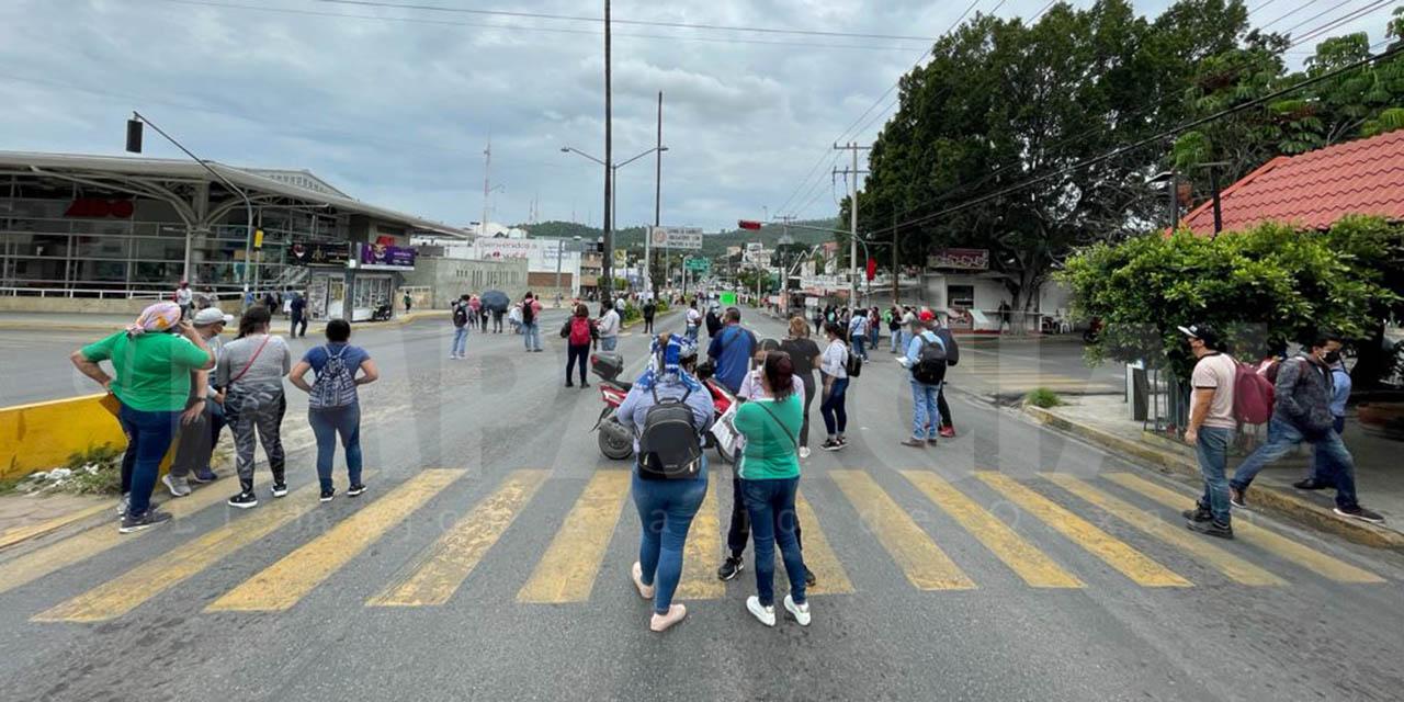 Inician normalistas de la ENSFO movilizaciones en Oaxaca   El Imparcial de Oaxaca