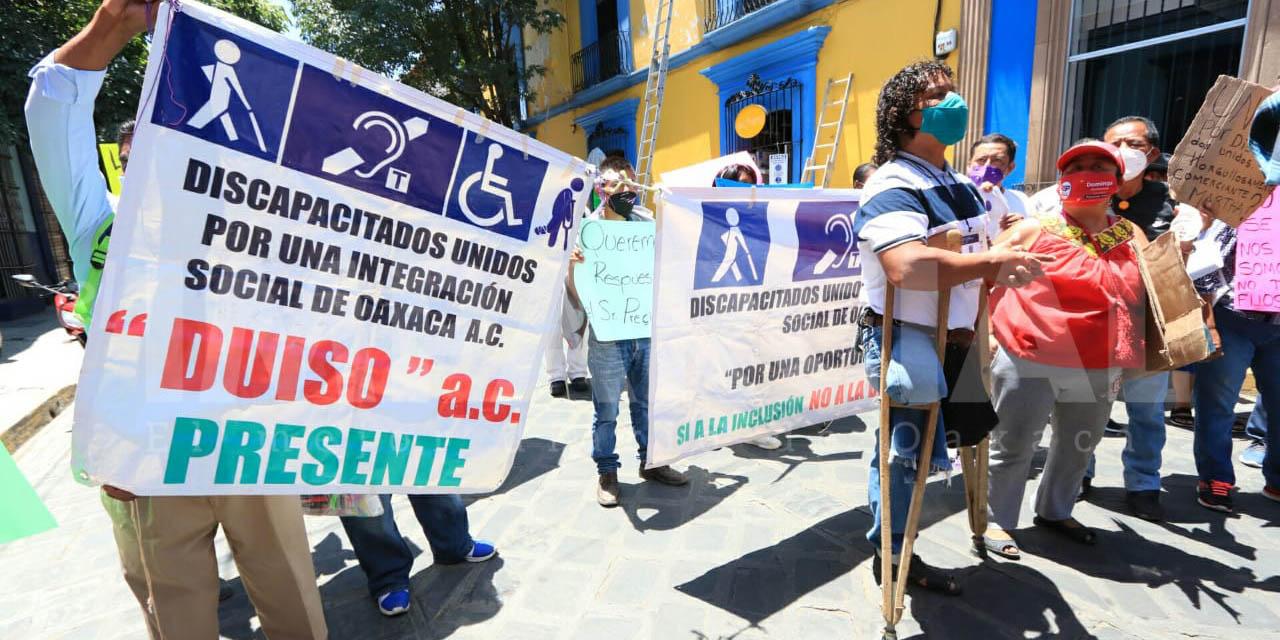 Personas con discapacidad protestan para exigir que los dejen vender en el Centro Histórico   El Imparcial de Oaxaca