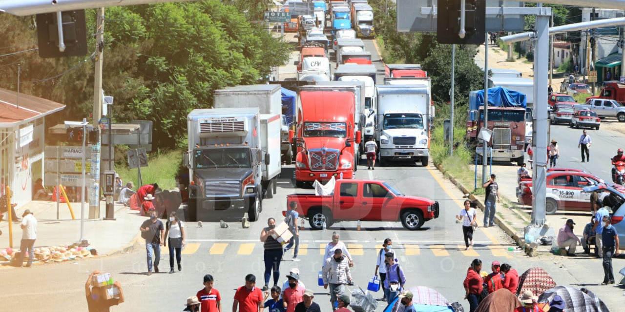 Tres bloqueos incomunican a la ciudad de Oaxaca | El Imparcial de Oaxaca