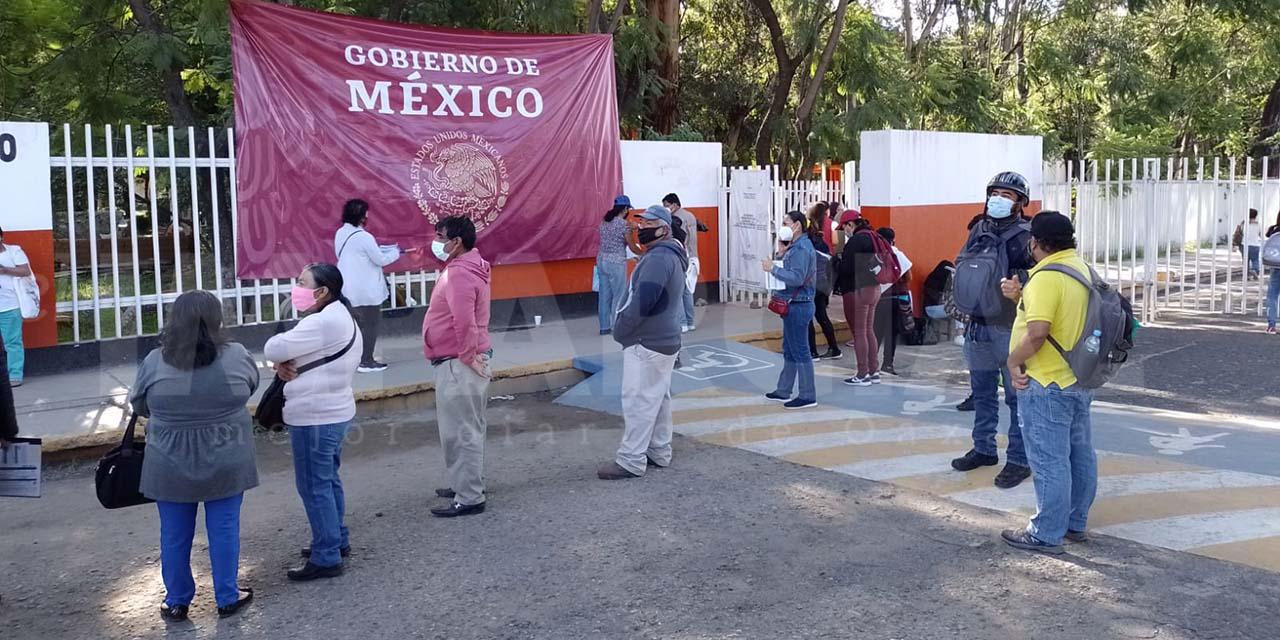 Avanza en completa calma la jornada de vacunación de 40 a 49 años   El Imparcial de Oaxaca