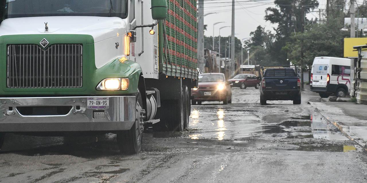 Baches, martirio para conductores citadinos | El Imparcial de Oaxaca