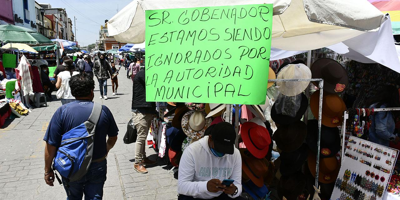 Exigen a García Jarquín abrir el centro al tránsito   El Imparcial de Oaxaca