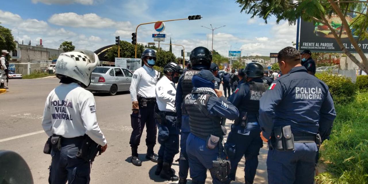 Conato de bronca entre taxistas y municipales | El Imparcial de Oaxaca