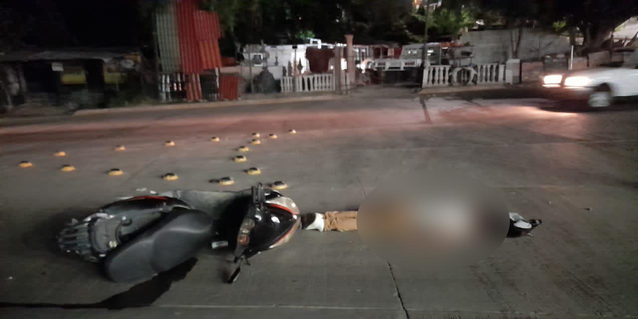 Motociclista queda inconsciente sobre el pavimento en Huajuapan | El Imparcial de Oaxaca