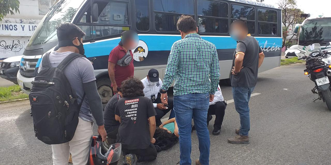 Atropellada por un motociclista en Símbolos Patrios | El Imparcial de Oaxaca