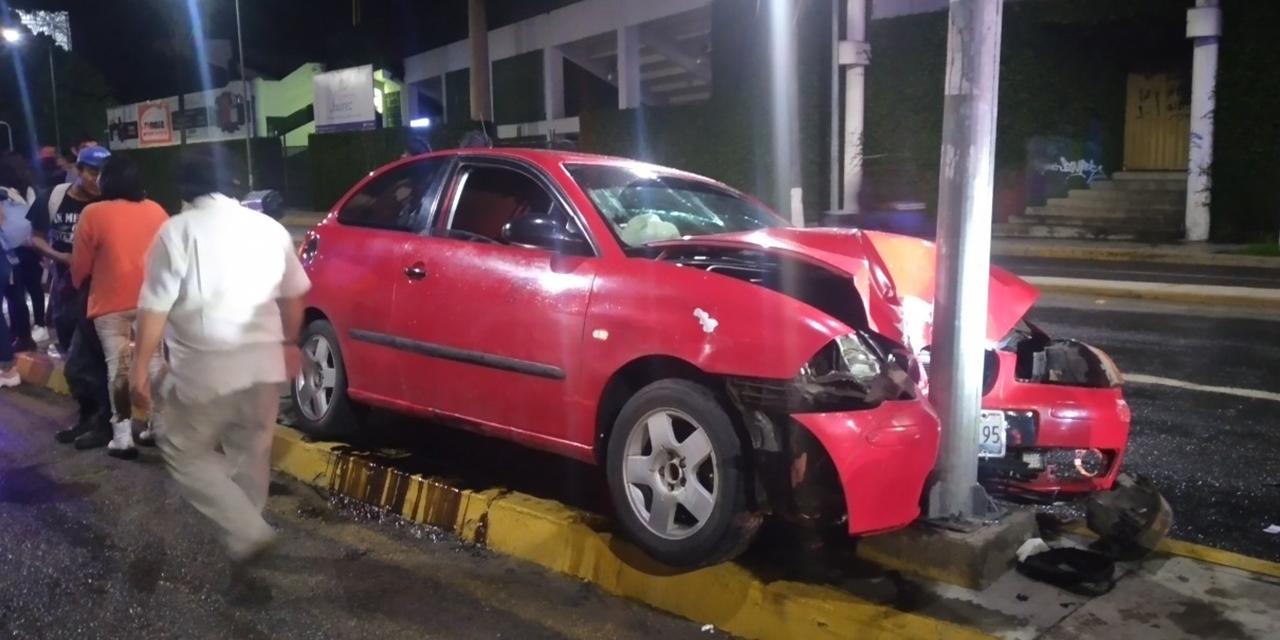 Se estrellan contra poste en Carretera 190   El Imparcial de Oaxaca