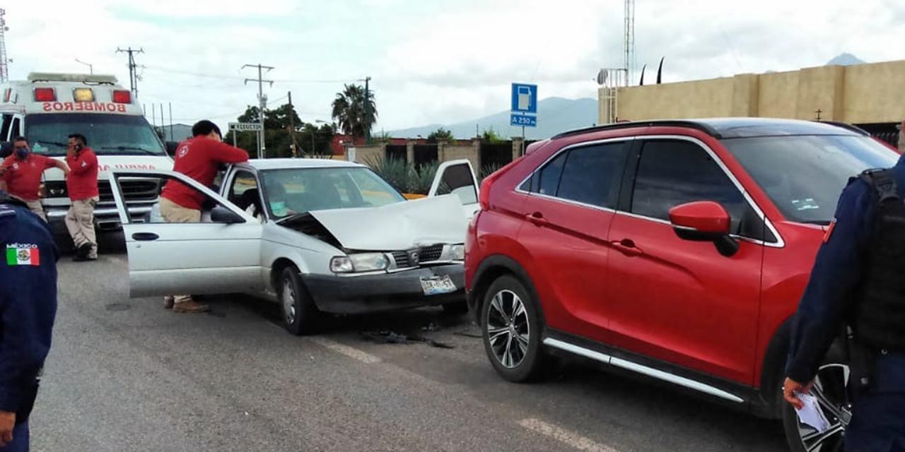 Choque por alcance deja una mujer lesionada en la Carretera 190 | El Imparcial de Oaxaca