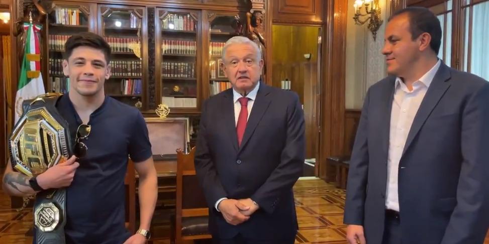 López Obrador y Cuauhtémoc Blanco sostienen reunión con campeón de la UFC | El Imparcial de Oaxaca