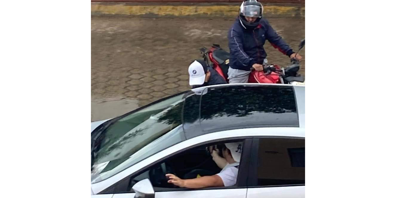 Roban 30 mil pesos a automovilista   El Imparcial de Oaxaca