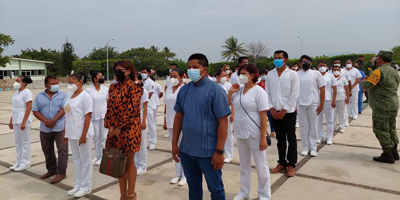 Dejan fuera del hospital INSABI de Juchitán a personal médico que laboró hace un año   El Imparcial de Oaxaca