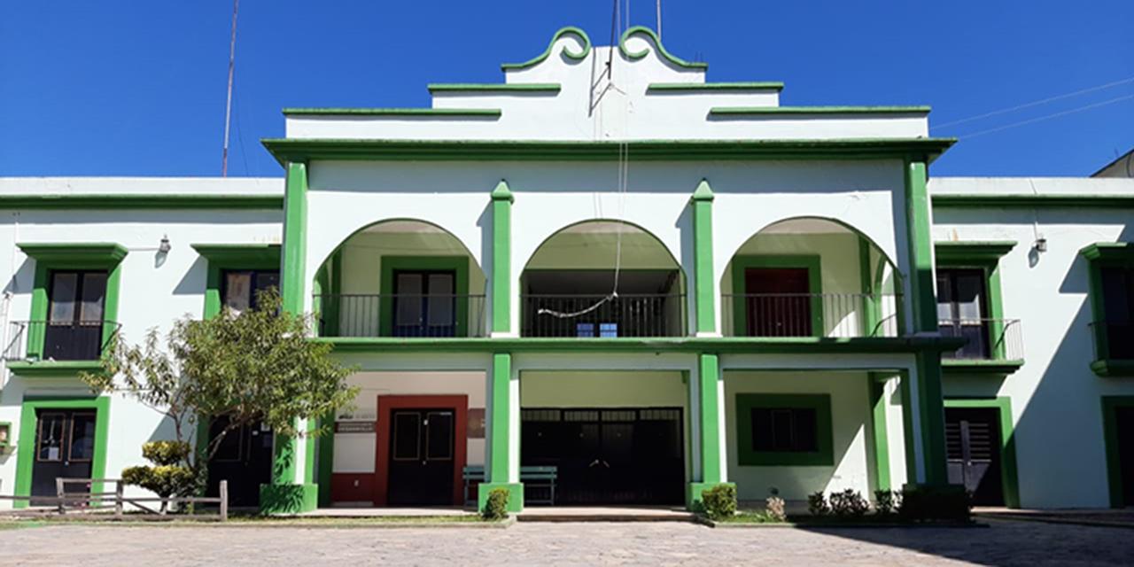 Denuncian regidores de Concepción Pápalo trato selectivo de la edil   El Imparcial de Oaxaca