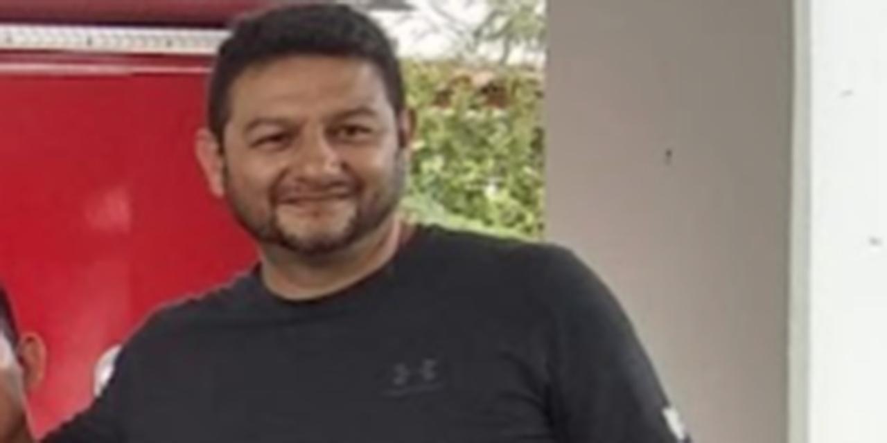 Bombero de Huatulco no usa casco ante emergencias   El Imparcial de Oaxaca