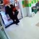 Captan en vídeo el momento en que hombres armados secuestran a empleada en Guanajuato