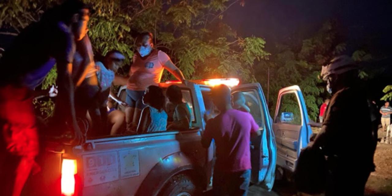 23 personas quedan atrapadas en el río en Villa de Tututepec   El Imparcial de Oaxaca