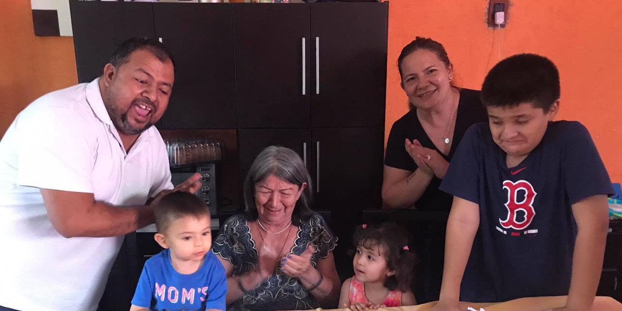 Festejan un nuevo año de vida   El Imparcial de Oaxaca